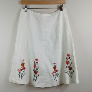 Lined white linen skirt embroidered flowers